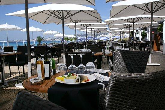 terrasse-plage-beau-rivage