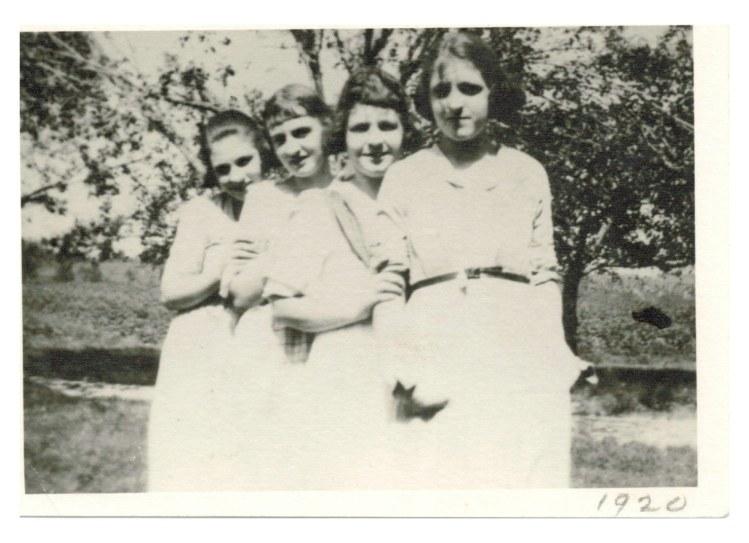 Anna Lou-classmates-lillian 1920